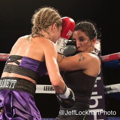 Shelly Barnett Dominates in her Homecoming Bout on Saturday