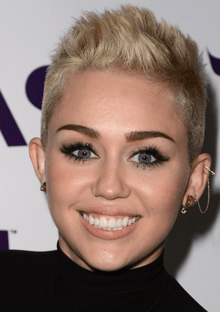 2013 Miley Cyrus Pictures With Her Very Short Hairstyle