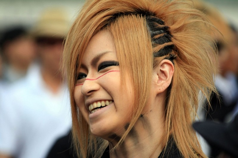 Cool Teen Girls Hairstyle With Punk Style