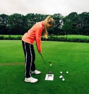 Noa Van Beek Putting Training Womens Golf