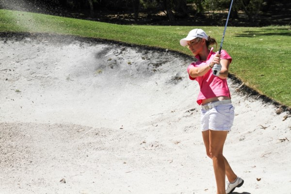 Amy Walsh womens golf sand shot