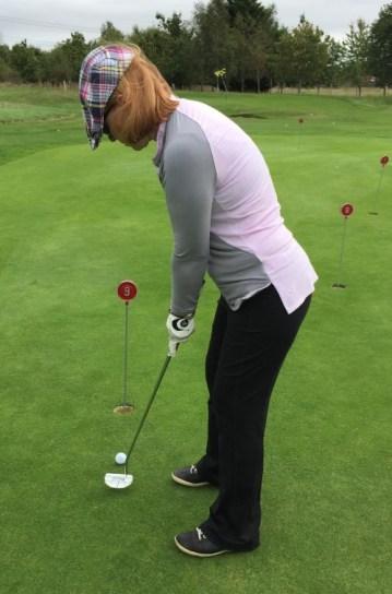 jaynie-sandall-putting-womens-golf