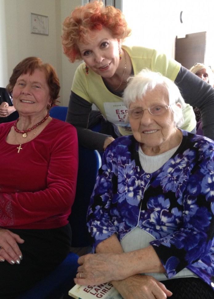 Dee Gordan with Essex Land Girls Betty Cloughton (left) and Elsie Haysman (right)