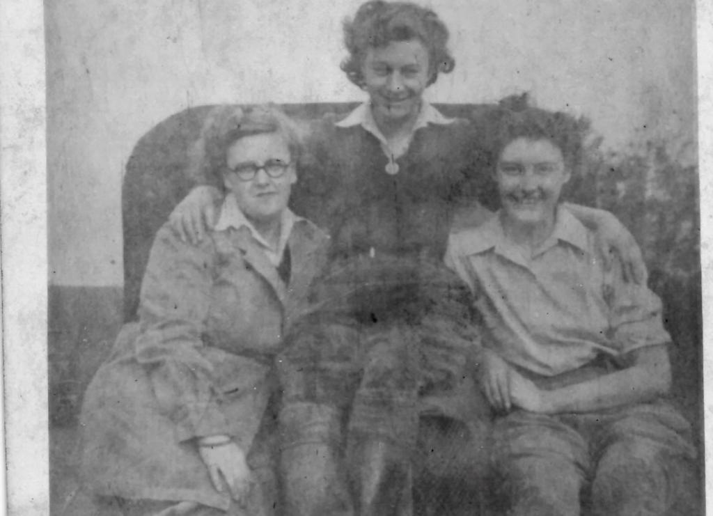 Margaret Footsoy and two friends