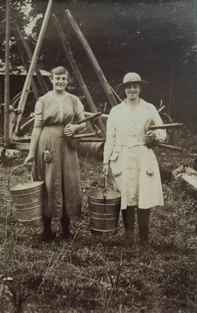 WW1 Land Girl Milker