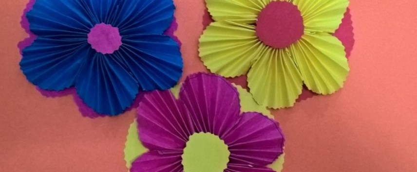 A step by step tutorial on how to make simple paper flowers mightylinksfo