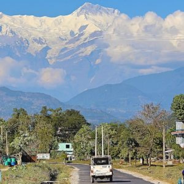 annapurna-4-range-from-the-bus