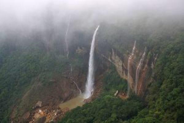 nohkalikai_falls_meghalaya