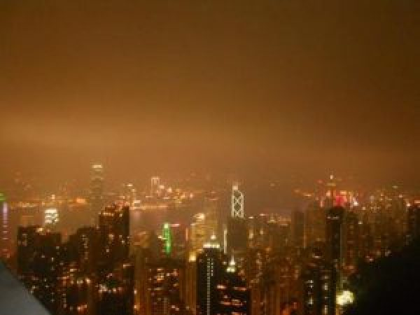 akshata-the-peak-view-from-atop-where-you-see-the-city-lit-up-in-all-its-grandeur