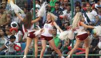 women cheerleaders