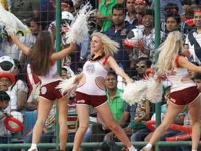 women cheerleaders
