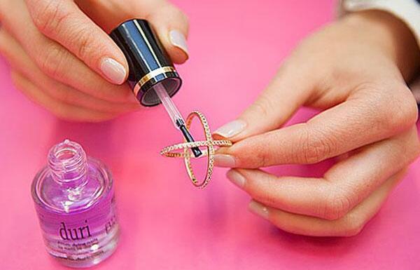 10 Fun and unusual uses of nail polish