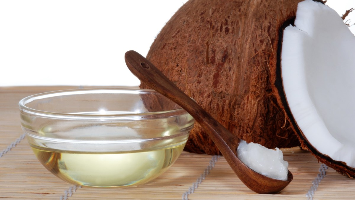 Benefits of Coconut Oil Pulling & How-to Guide