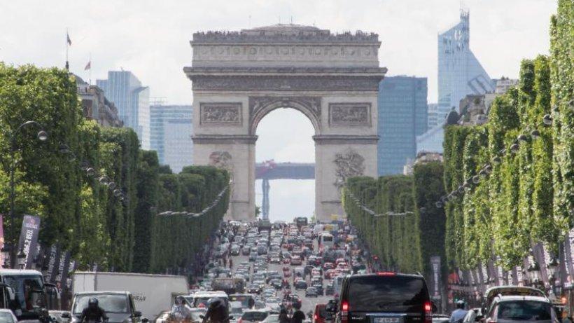 Paris-Besucher brauchen jetzt französische Umweltplakette | Reise | WR.de