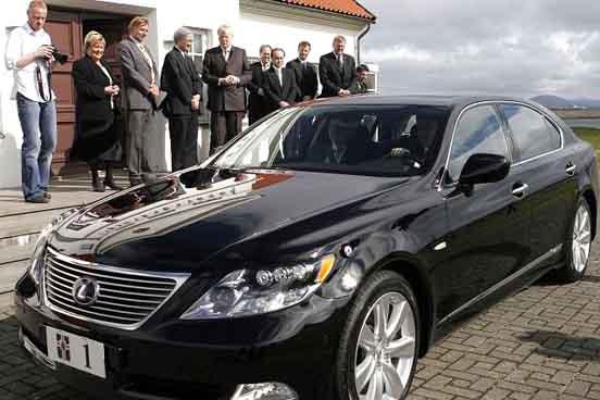 President Car Iceland - Lexus 600h