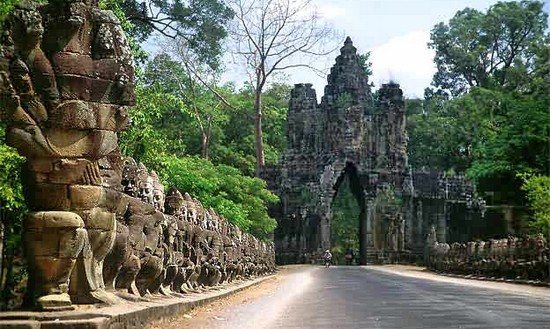 South gate, Famous Cultural Monuments