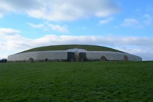 Newgrange, Ireland 10 Oldest Buildings