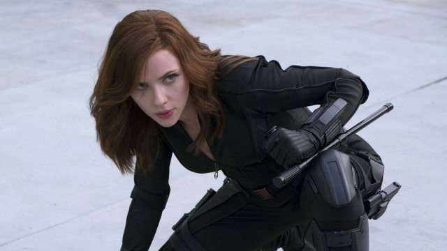 scarlett johansson hottest female superheroes