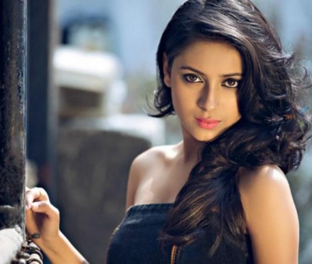 4 Pratyusha Banerjee