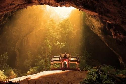 Phraya Nakhon Asian Caves