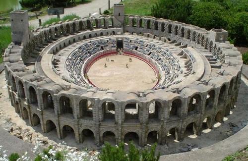 Roman Theatres Arles Amphitheatre