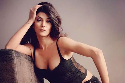 Sushmita Sen Hot And Sissling Pictures