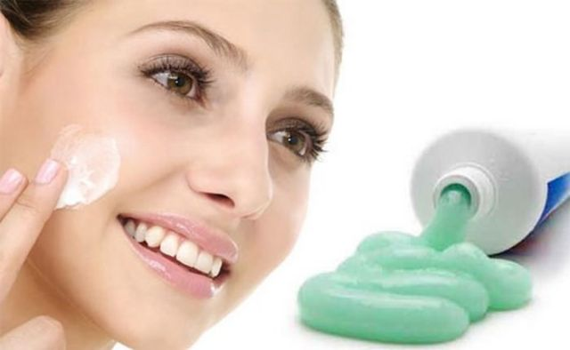 Get Rid of Acne by Toothpaste