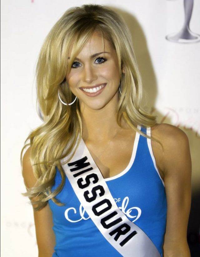 Candice Crawford Hottest NFL Wives and Girlfriends