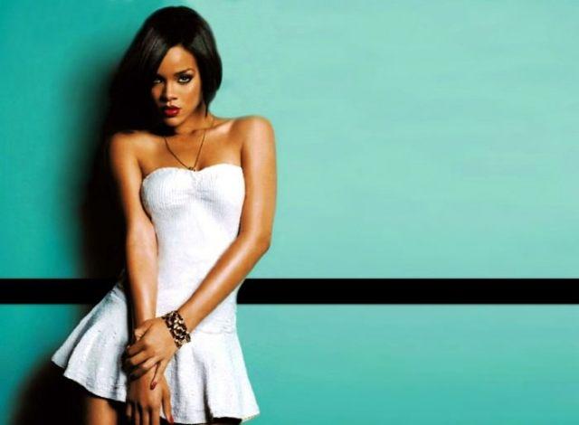Rihanna Hottest Curvy Celebrities