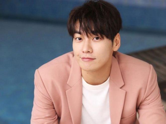 Kim Young-kwang Most Handsome Korean Actors 2021