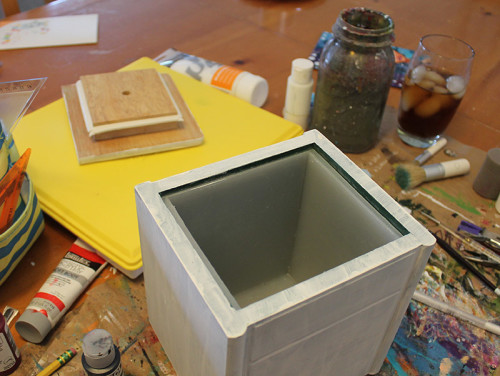01 Canister with Gesso