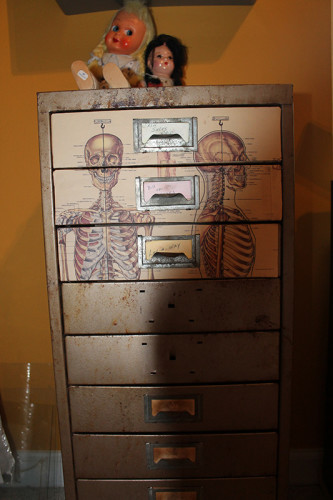 7 Three Drawers