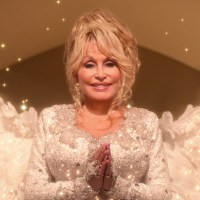 Dolly Parton, Dolly Parton's Christmas on the Square