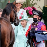 Queen Elizabeth II and Frankie Dettori