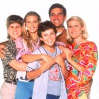 Jason Hervey, Olivia d'Abo, Fred Savage, Dan Lauria, Alley Mills, The Wonder Years