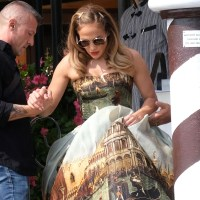 Jennifer Lopez, Venice canals dress