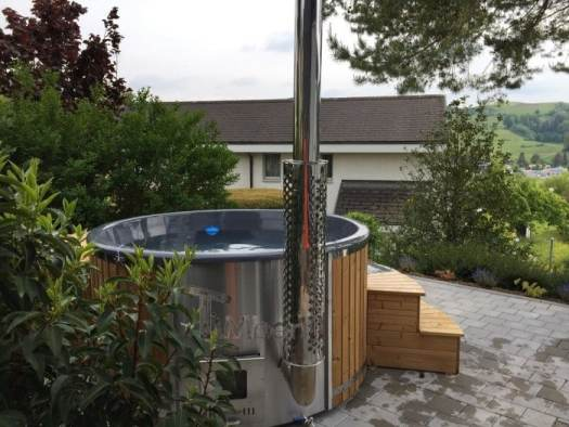 Thermo Wood Wellness Roayl Hot Tub With Integrated Heater