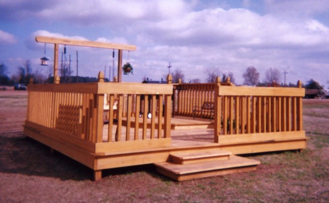 Parmer Lumber Co. mills roughcut lumber and adds tremendous value by turning boards into finished lumber with their Woodmaster...then building high-value items like this beautiful custom deck.