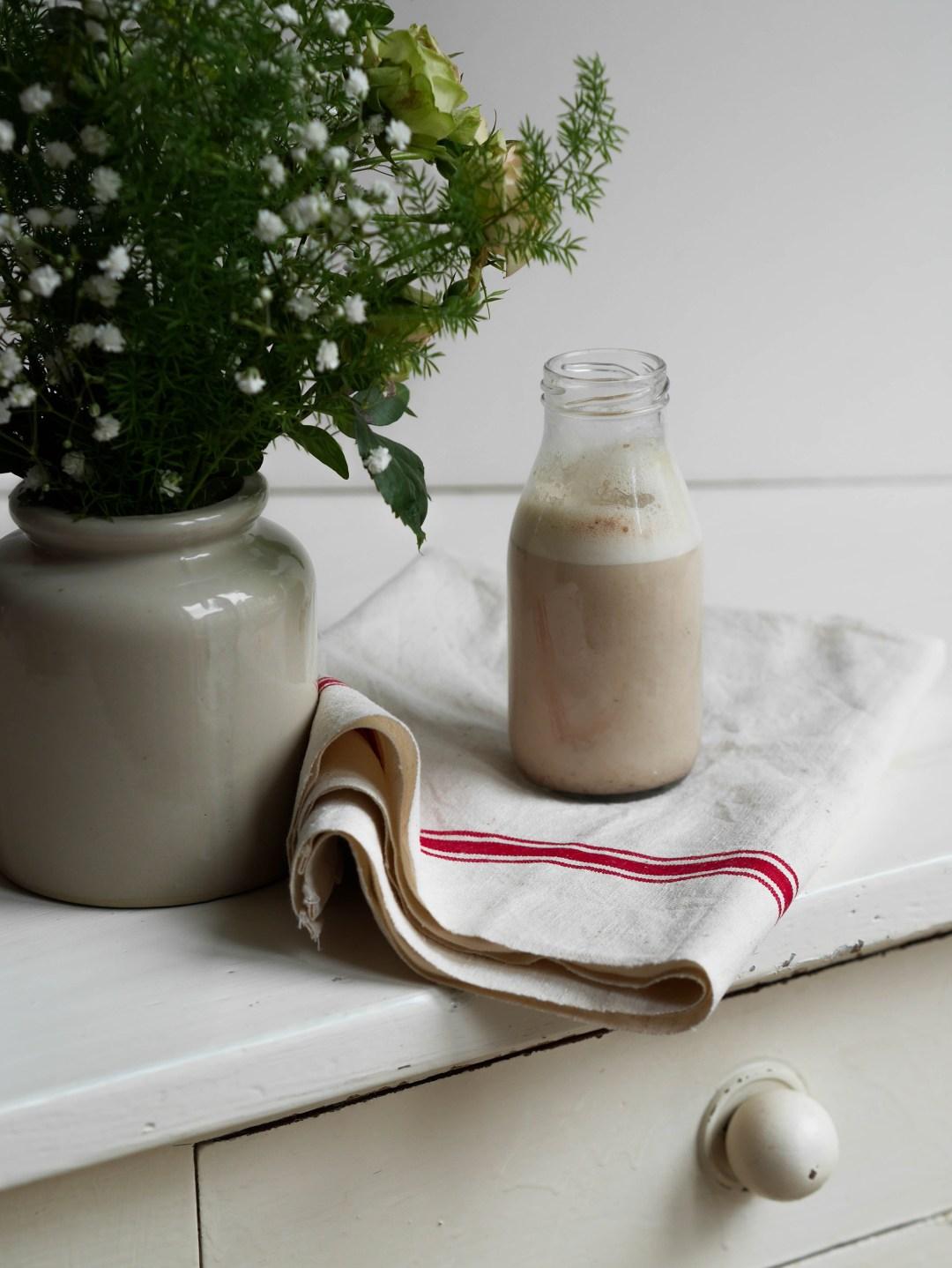woodmoodfood-blog-culinaire-recette-simple-facile-gourmande-boisson végétale-noix-cajou-dattes-medjool-provalem-1