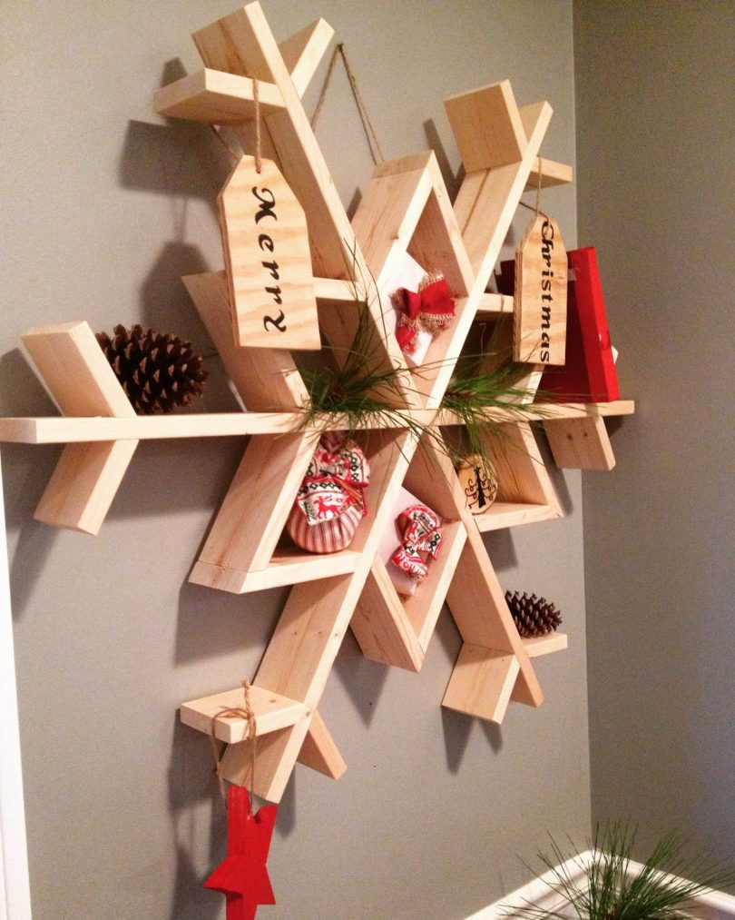 Let it snow my diy wooden snowflake shelf im a big fan of ana whitebut seriously who isnt im a huge fan of several diy bloggers but ana white was the first one i stumbled upon solutioingenieria Image collections
