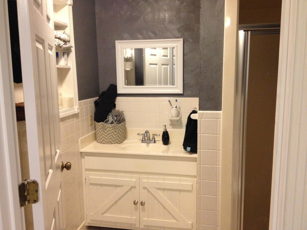 Master Bathroom Remodel Reveal--The Before