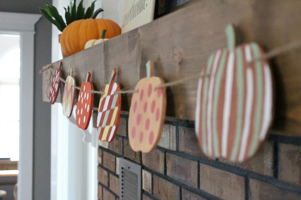 Super Easy Fall Pumpkin Banner--Woodshop Diaries