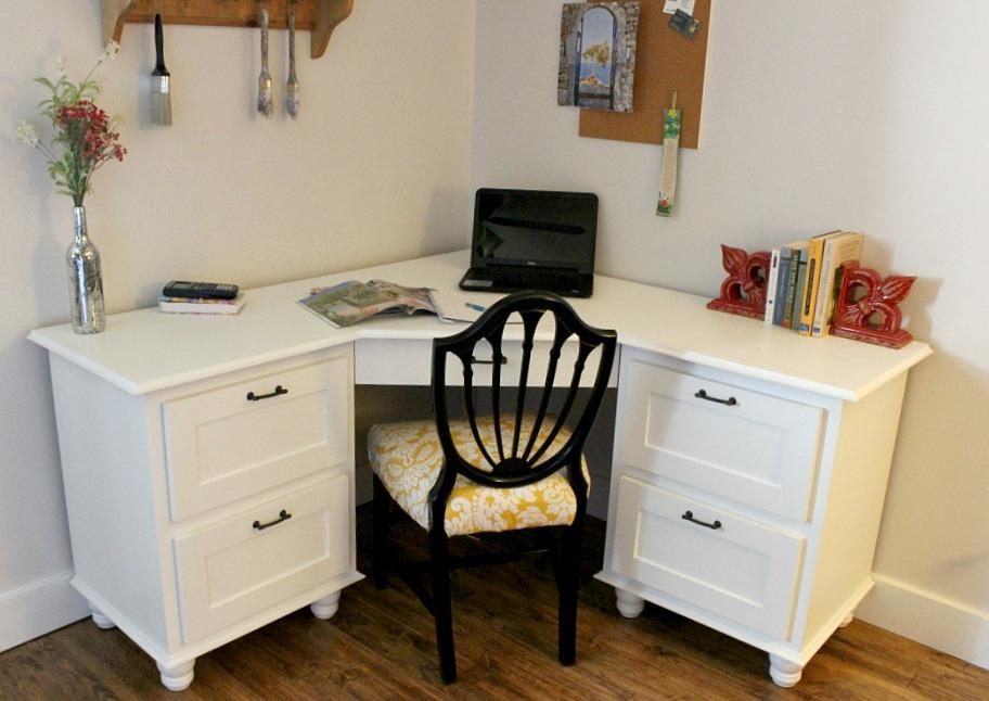A Corner I Wouldn't Mind Being Sent To--DIY Corner Desk