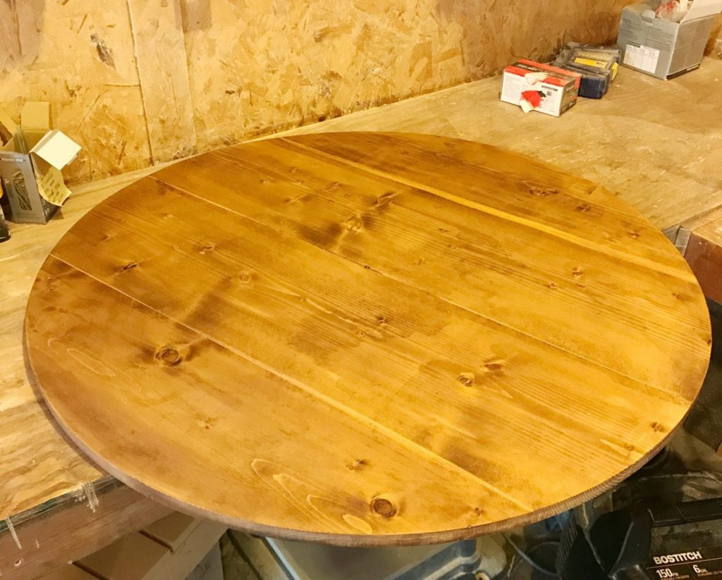 Stain the DIY wood clock round