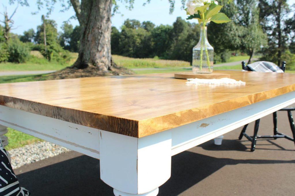 How To Build A DIY Farmhouse Dining Table - Farmhouse table with white base