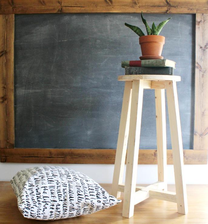 How to make a super simple DIY bar stool--free building tutorial!