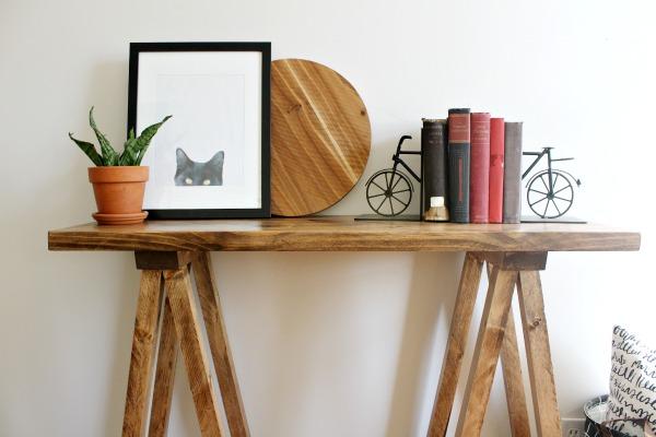 DIY Sawhorse Table