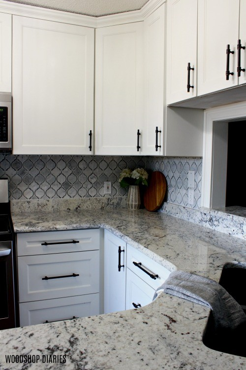 Kitchen with corner backsplash tile