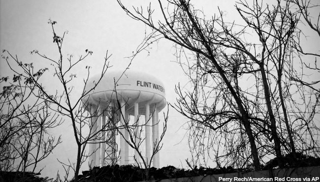 Flint-water-tower-AP_187175