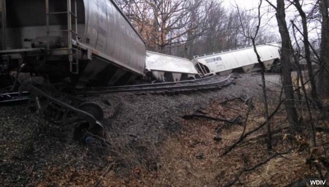 Howell train derailment 031316_198549